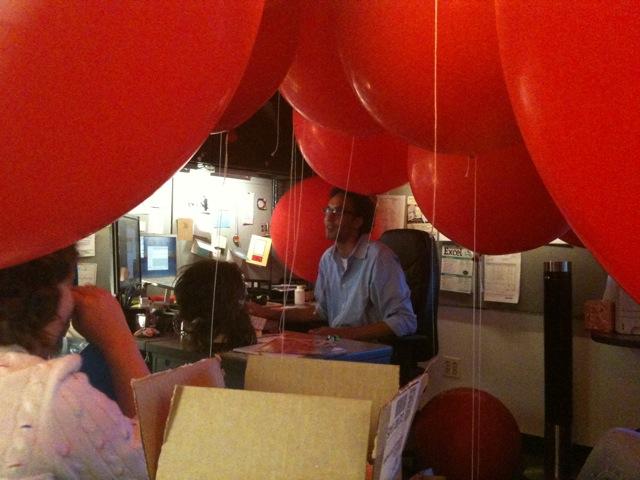 Red-Balloon-Office-Prank-3