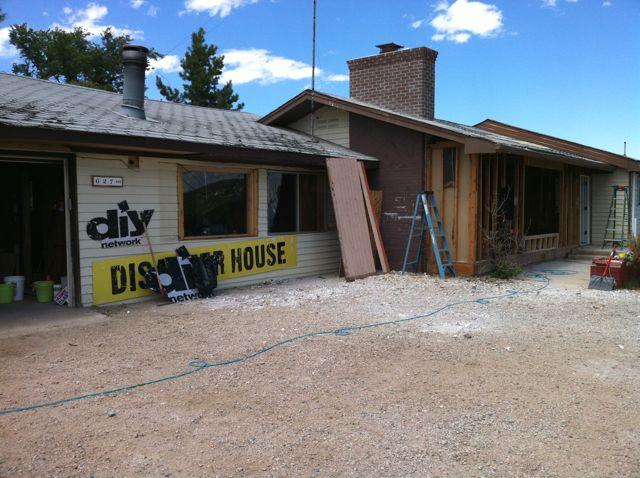 diy disaster house can steve spangler help josh temple destroy a bathroom sink steve. Black Bedroom Furniture Sets. Home Design Ideas
