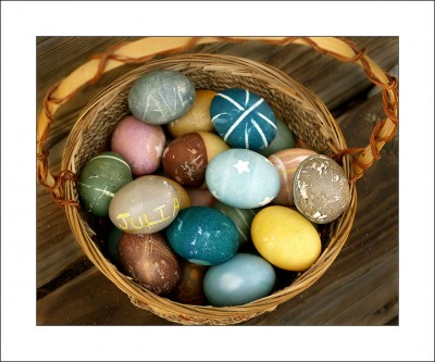 Eggceptional Eggs-periments - Dying Easter Eggs Naturally - Steve ...