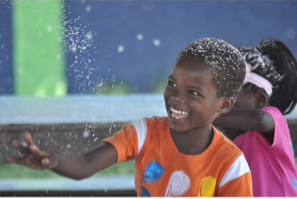 Teacher Makes It Snow for Kids in Haiti - Steve Spangler Science