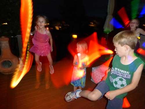 White LIghtning Stick - Separate Colors for Nighttime Fun!   Steve Spangler Science