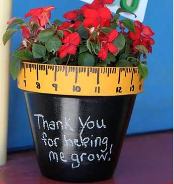 Teacher Appreciation - paint a pot with flowers from Tip Junkie