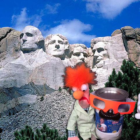 Beaker and Instant Snow Day visit Mount Rushmore - Steve Spangler Science Selfies
