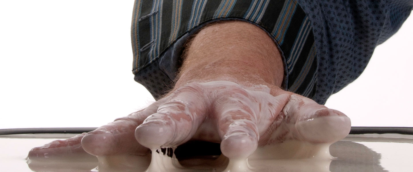 cornstarch-quicksand-goo-4