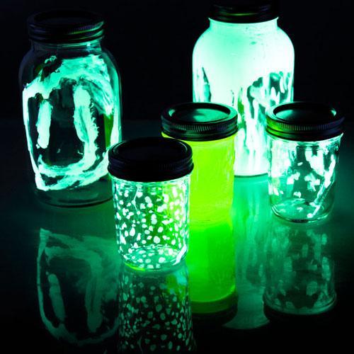 glow-in-the-dark-jar-experiment-201206253-summerscience.jpg