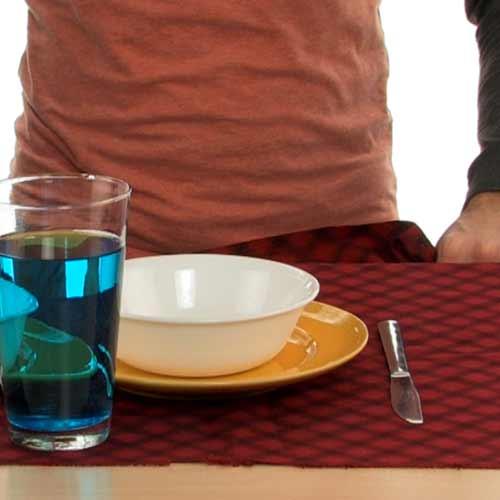 tablecloth-trick-112410-05.jpg