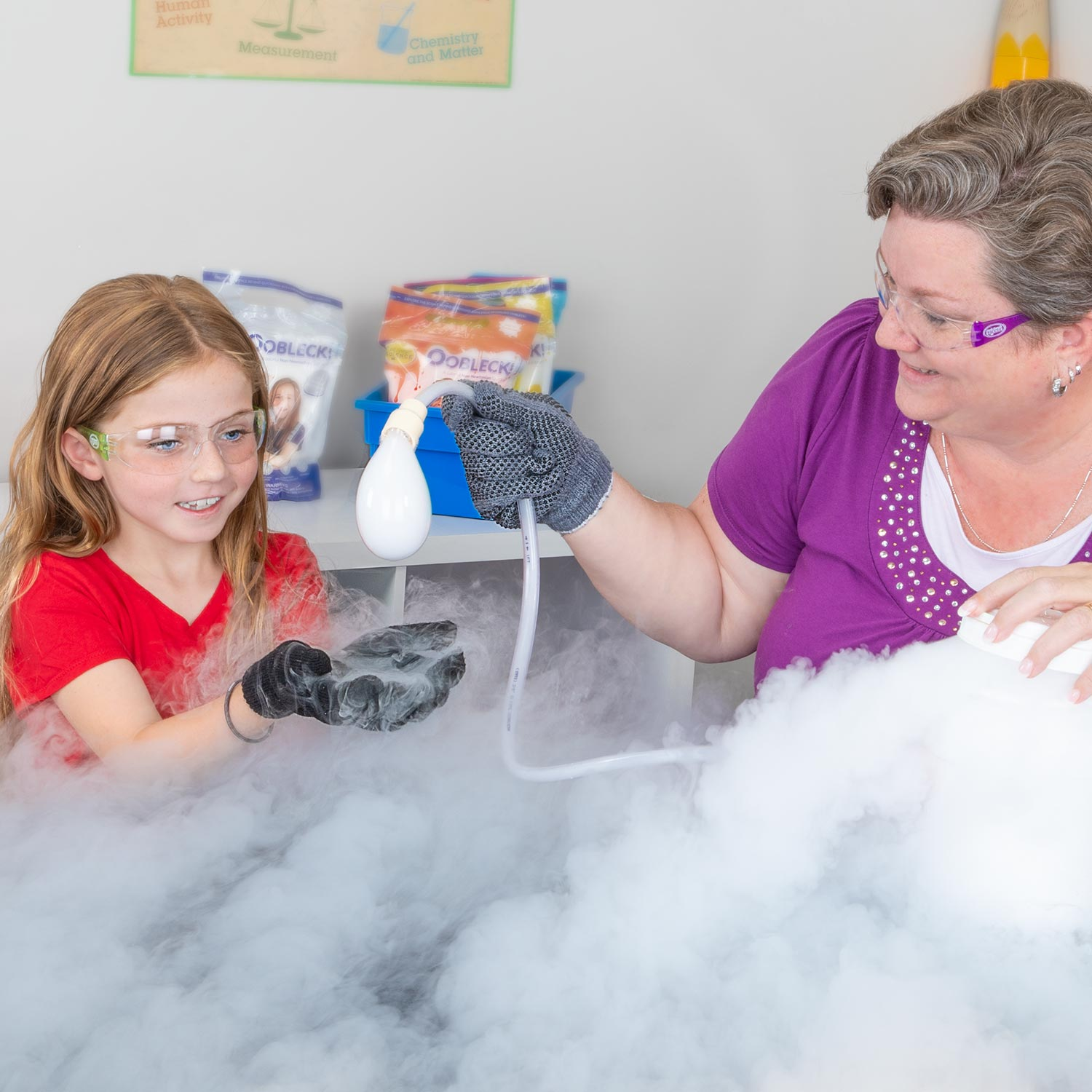 Boo Bubbles - Dry Ice Smoke-filled Bubbles
